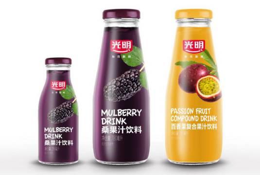 光明跨界推出桑果汁饮料和百香果复合果汁饮料新品